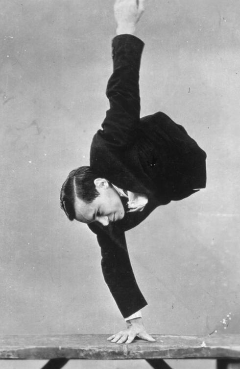 Johnny Eck handstand